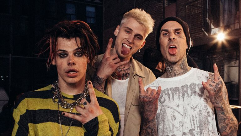 Machine Gun Kelly Yungblud Travis Barker Blink-182