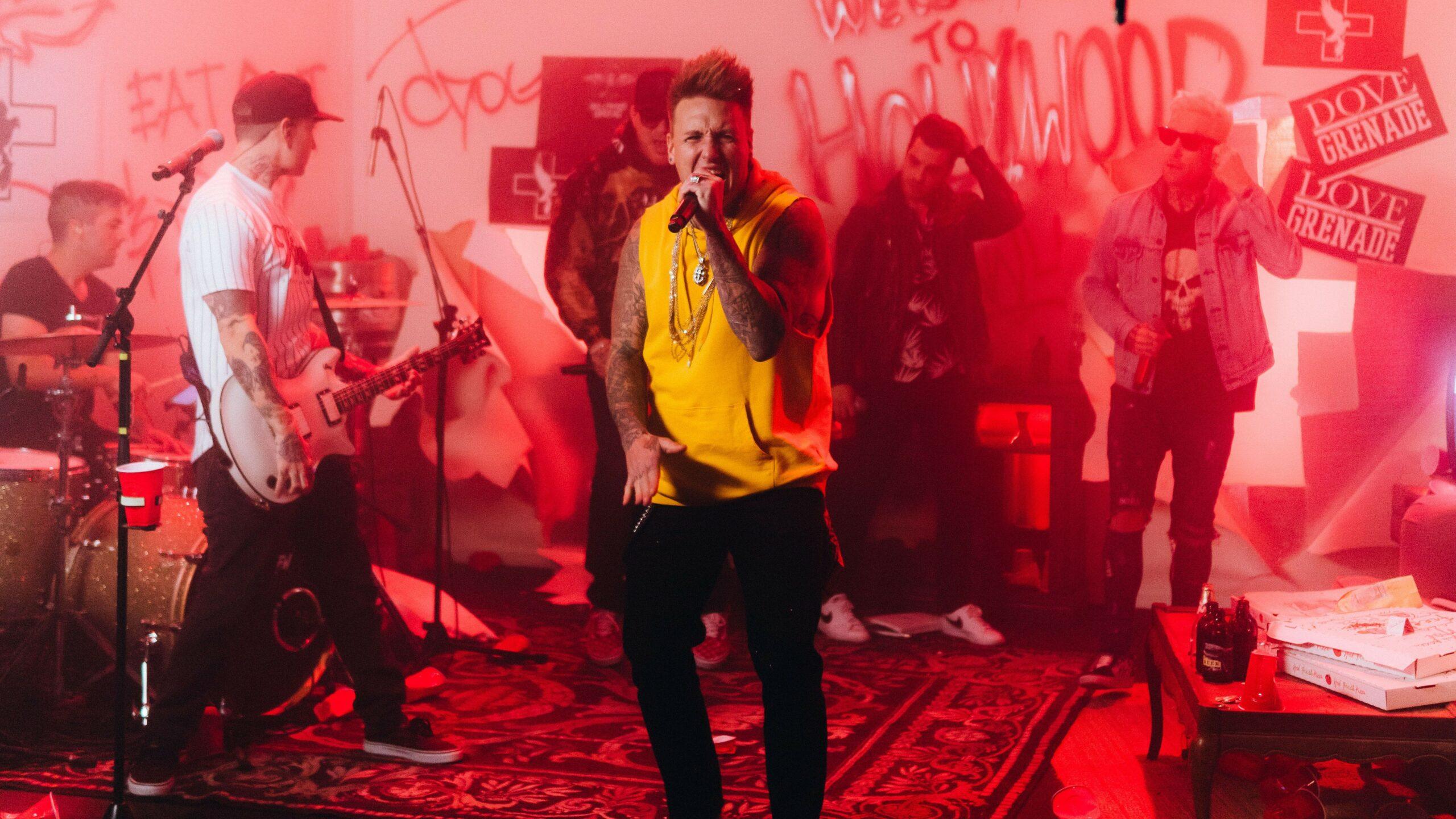 Hollywood Undead Papa Roach